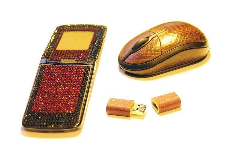 MJ - Royal Kit Mix - Motorola v9 Swarovski, Leather Mouse Sea Snake, USB Flash Drive from Amaranth Wood inlaid Gold & Diamond